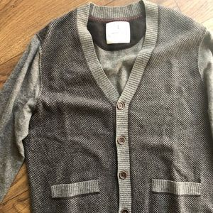 Men's grey sweater